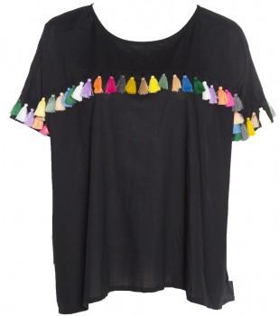 Camiseta básica customizada con tassels