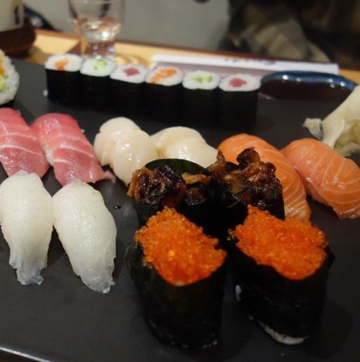 aprender-a-preparar-sushi-en-sevilla-adoraideas