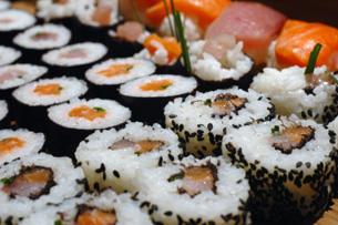 hacer-sushi-sevilla-maki