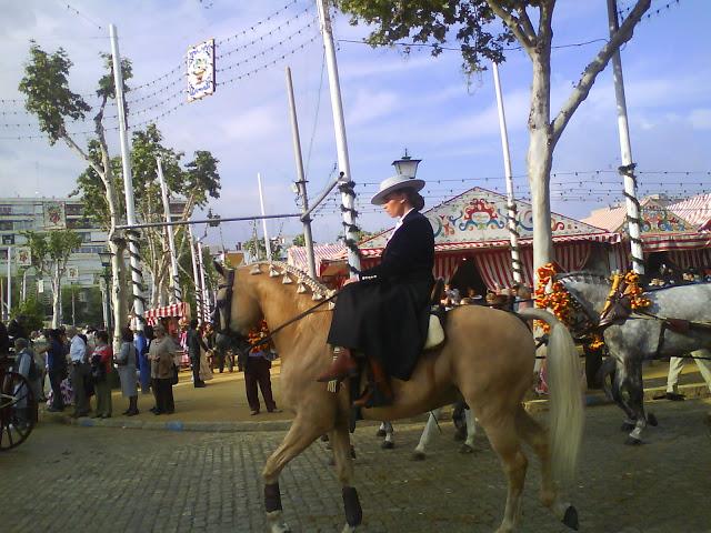 Paseo de caballos por el Real